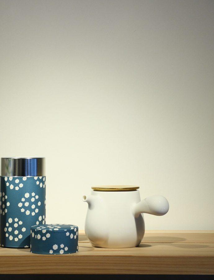 可愛らしい『茶筒』が入荷しました。