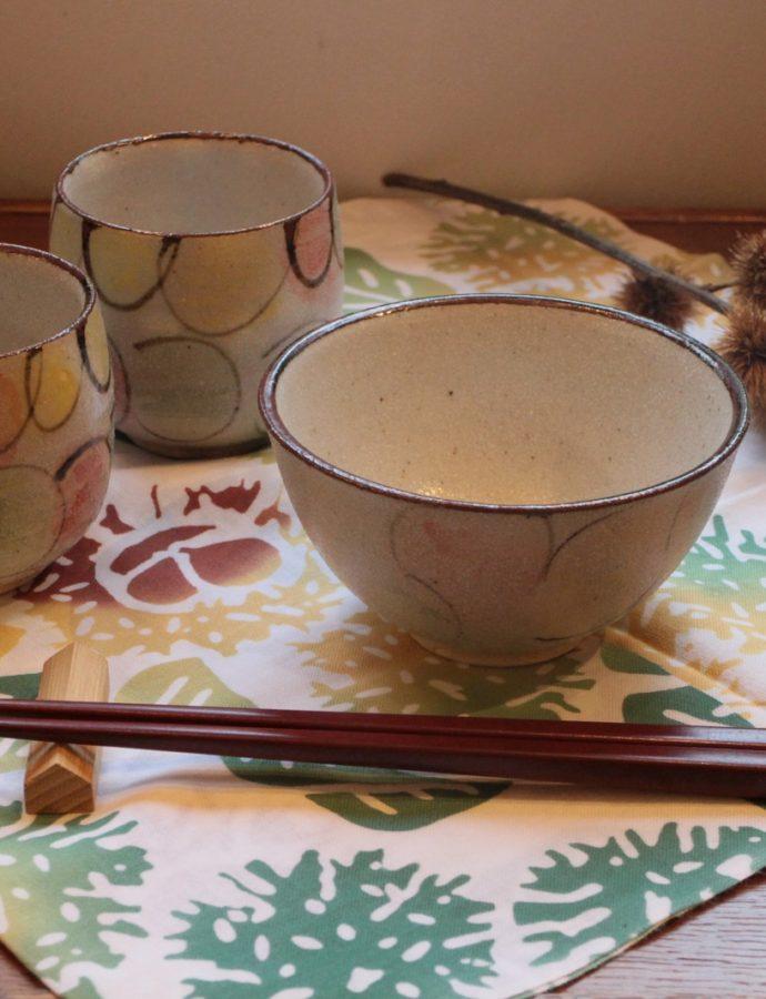「風船花の飯茶碗と湯呑」