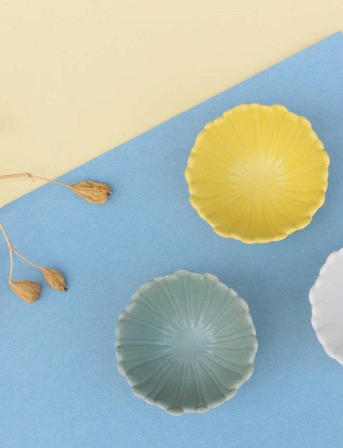 たんぽぽの花をイメージして作られた小鉢